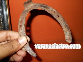Energized Horse Shoe